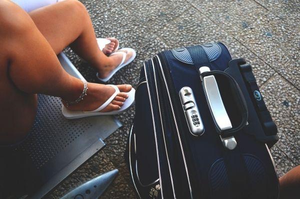Mag je autorijden op blote voeten of met slippers aan?